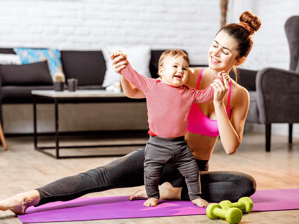 Imagen actividad 5: Mamá junto a bebé haciendo ejercicio